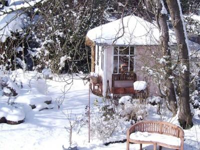 Klassische Reihenhausgärten Winterimpression